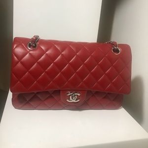 Auth Classic M/L CHANEL Red Lambskin Double Flap